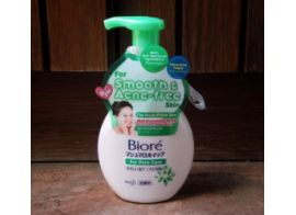 Biore Marshmallow Whip Acne Care Facial Wash 150мл